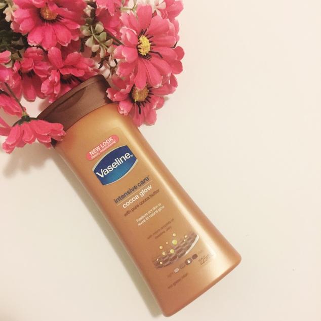 Vaseline Cocoa Glow moisturiser.JPG